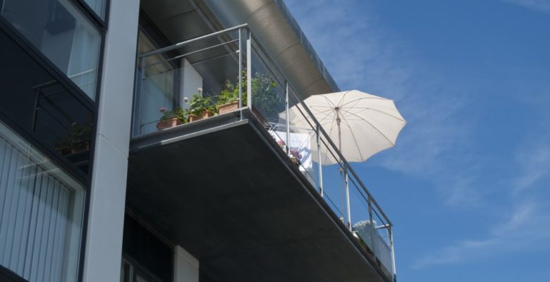 Altan med parasol